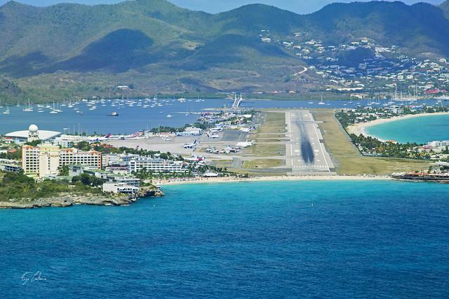 Final runway 10 - TNCM - Sint Maarten Airport