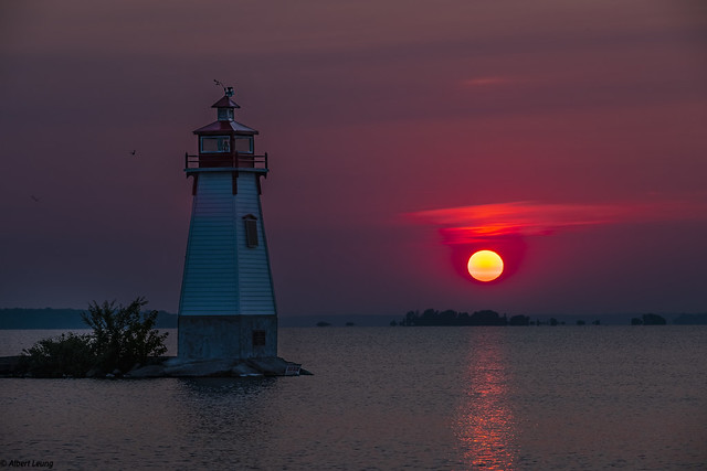 Rising sun Jackson Point Lighthouse - DSH5488