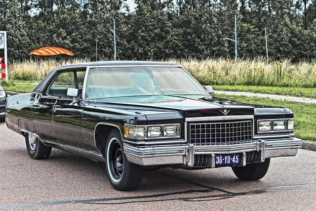 Cadillac Sedan DeVille 1976 (3701)