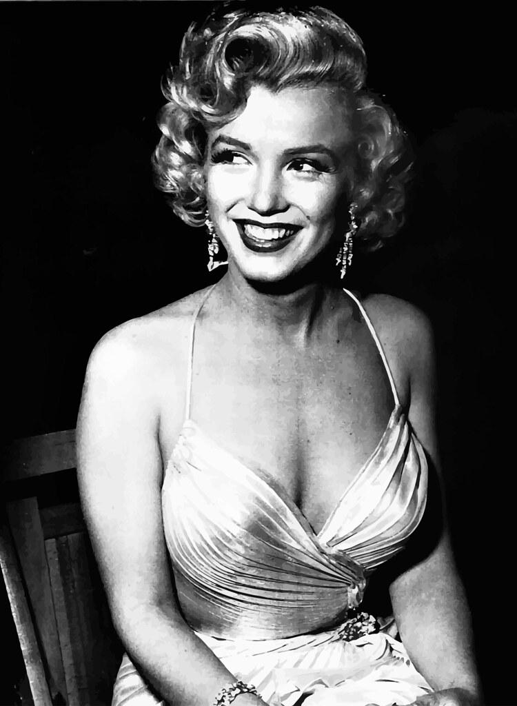 Marilyn Monroe fotografiada por Phil Stern, evento Children's Benefit en Los Ángeles, 4 de diciembre de 1953.