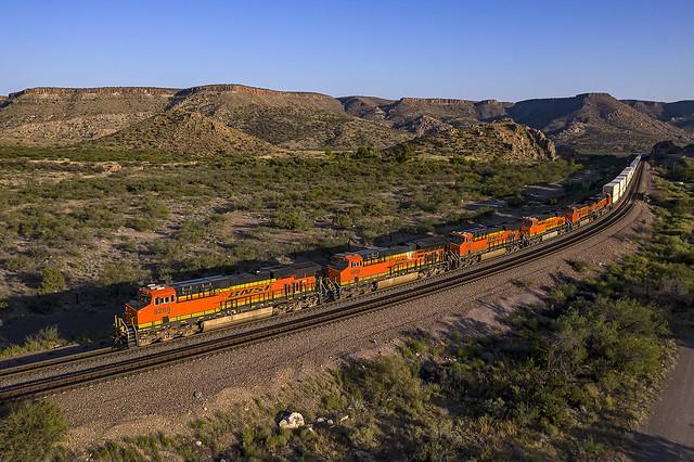 BNSF 8289 E Z LACWSP9 15U Valentine, AZ