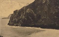 Karangbolong - Pantai Karang Bolong with cave Guwo Jumbleng, 1909