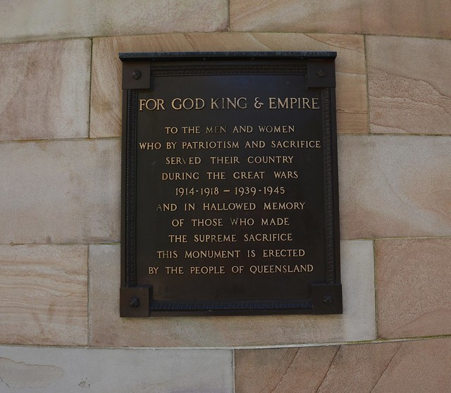 Brisbane - Plaque commemorating Men and Women of Queensland who served in two World Wars: Anzac Square.