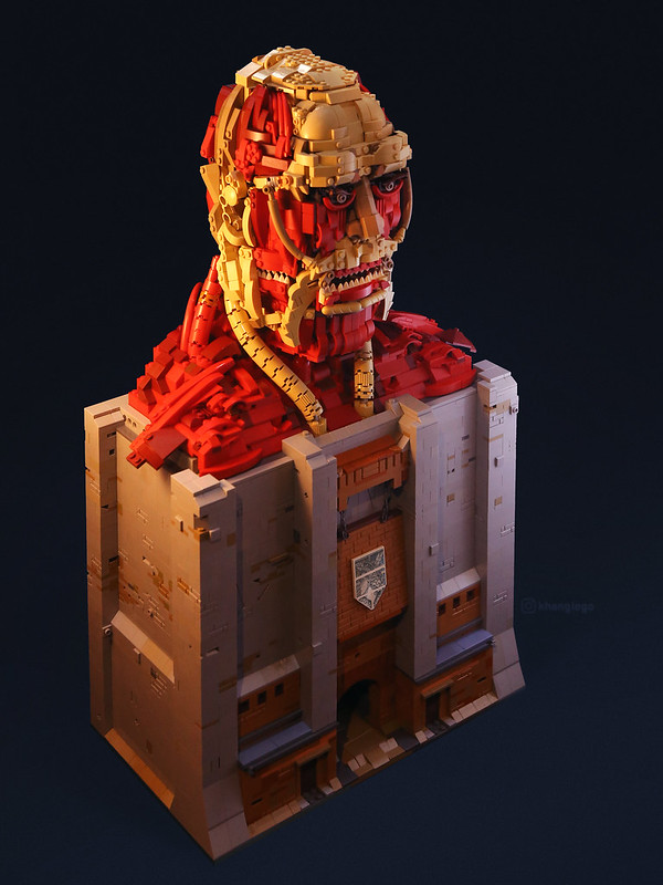 [AOT] - Colossal Titan (Bertholdt Hoover) with podium