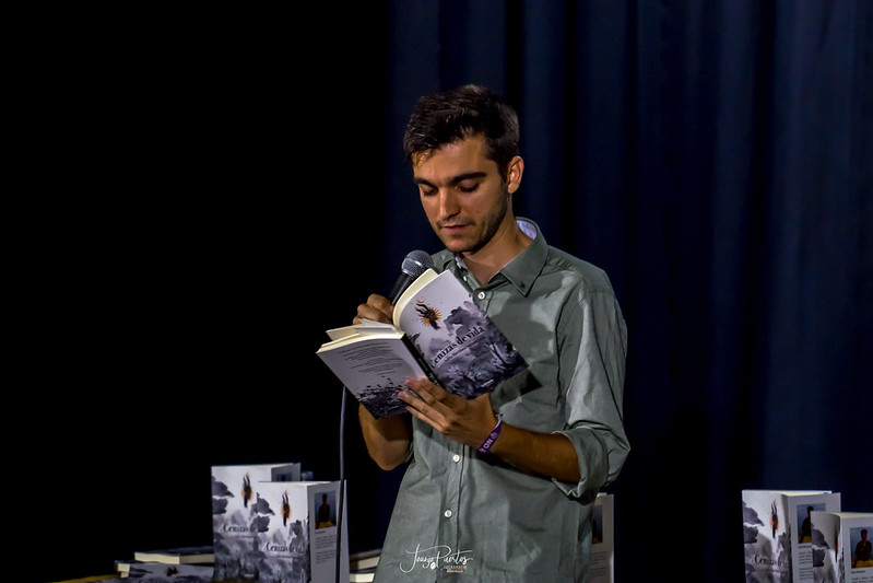 Presentació del llibre 'Cenizas de Vida' del castelloner Salva Martínez Soriano