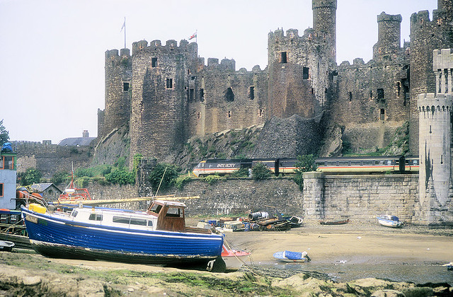 A Boat, A Castle And An HST.