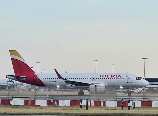 EC-NJU A320NEO IBERIA LHR