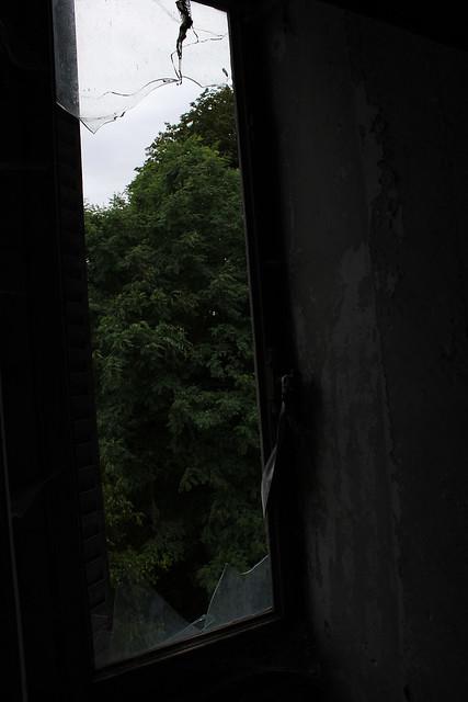 Château burnt roof #41