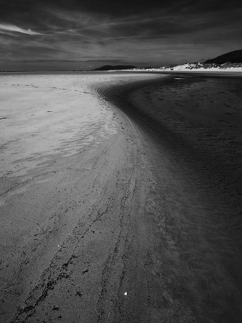 Contrasts .... Aberdyfi beach.