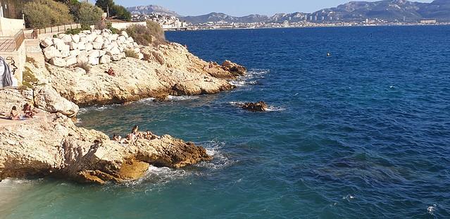 Baignade dans 1 petite Crique Rocheuse à Marseille...😎😎