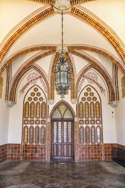 Entrada al Palacio de Gaudí