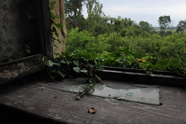 Château burnt roof #39