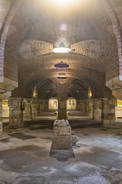 Interior del Palacio de Gaudí (4)