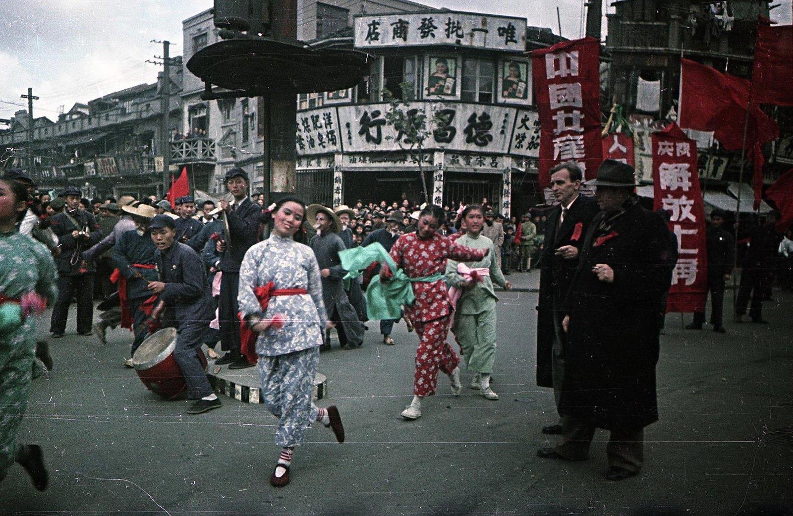 1949. Шанхай. Встреча войск Народно-освободительной армии Китая (НОА)