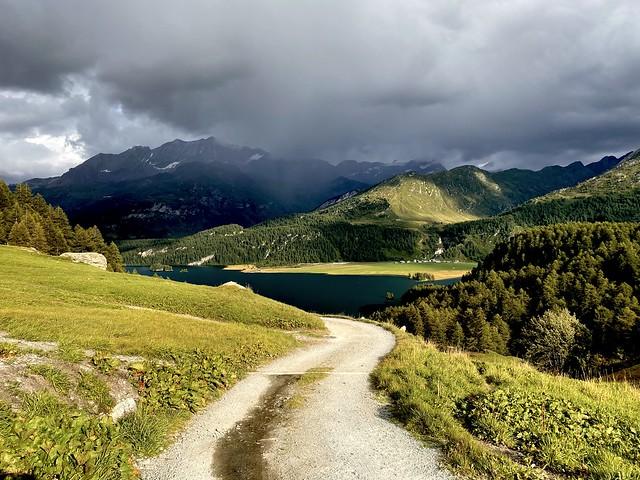 Following the path from Grevasalvas down to Plaun da Lej
