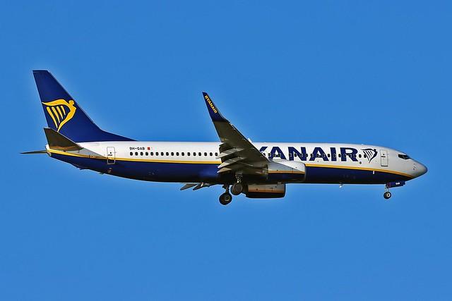 9H-QAB Boeing 737-8AS Malta Air  AGP 10-09-21