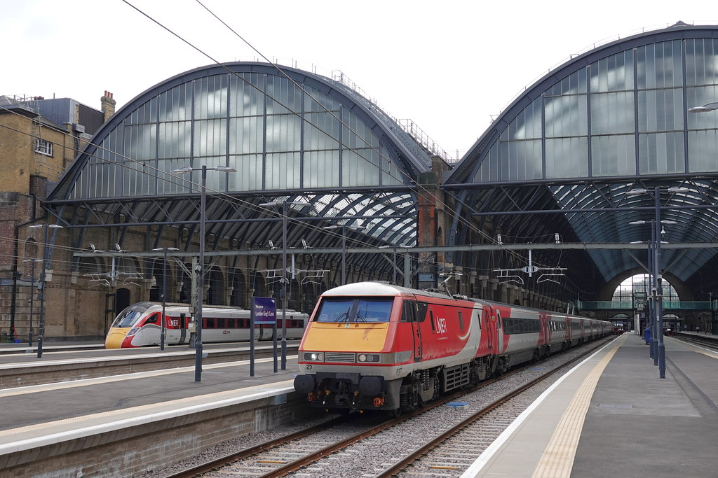 91127 at London Kings Cross ready to work 1N85 1306 to York 18/09/21