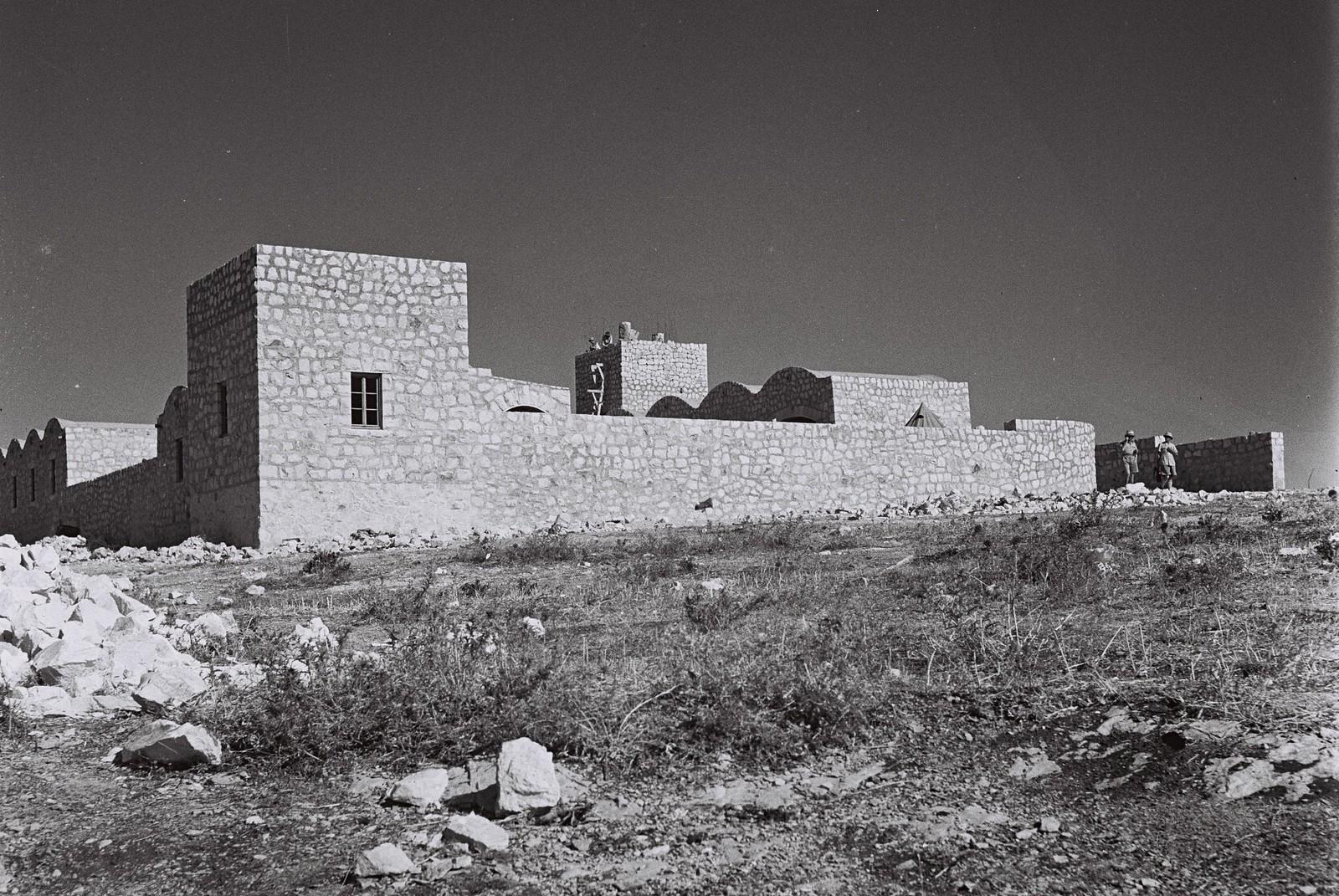 1945. Укрепленный двор кибуца Бирья в окрестностях Цфата