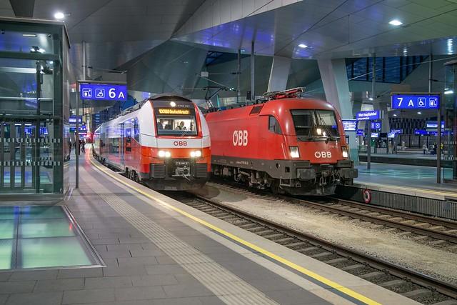 ÖBB 4746 067 + 1116 148 Wien Hbf