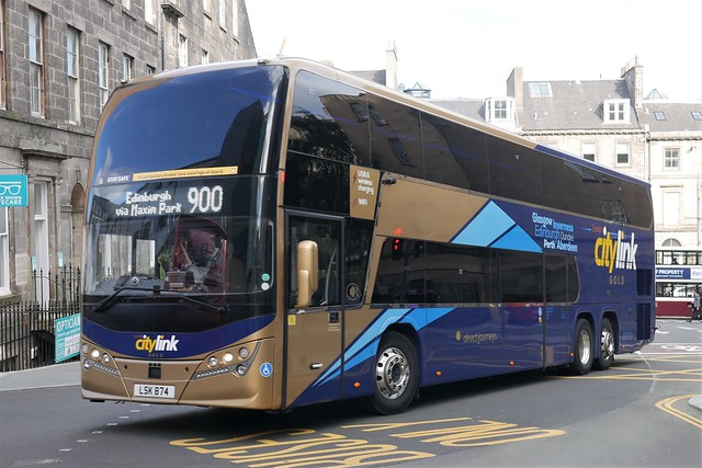 Parks of Hamilton Volvo B11RLET Plaxton Panorama LSK874, new in October 2020, in Citylink Gold livery, operating service 900 to Edinburgh entering Edinburgh Bus Station on 16 September 2021.