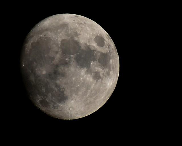 Waxing gibbous moon over Columbus, Ohio, 9/18/21, 8:25PM, slightly hazy sky