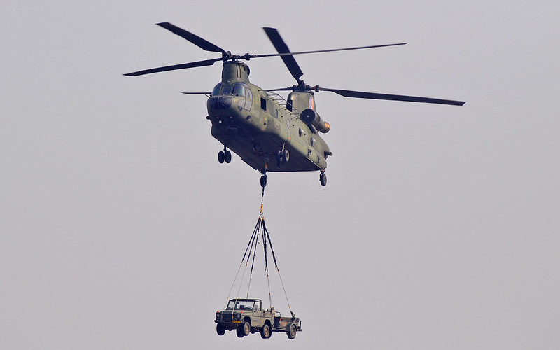 2-Boeing-CH-47D-Chinook-RNLAF-D-106