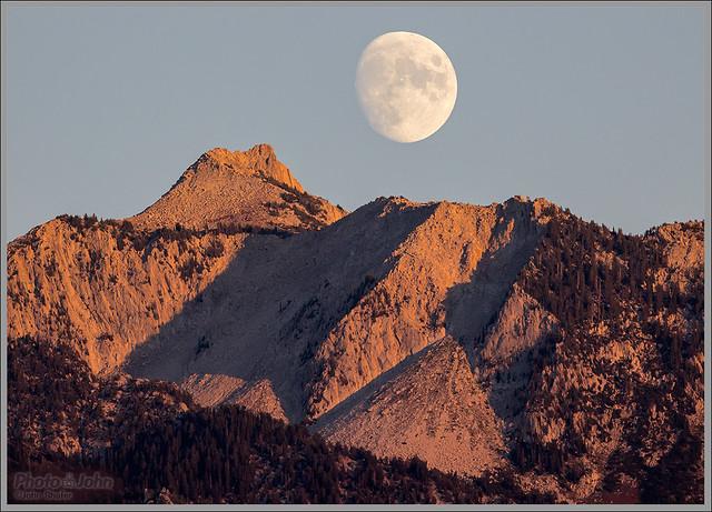 Lone Peak Alpenglow Moonrise
