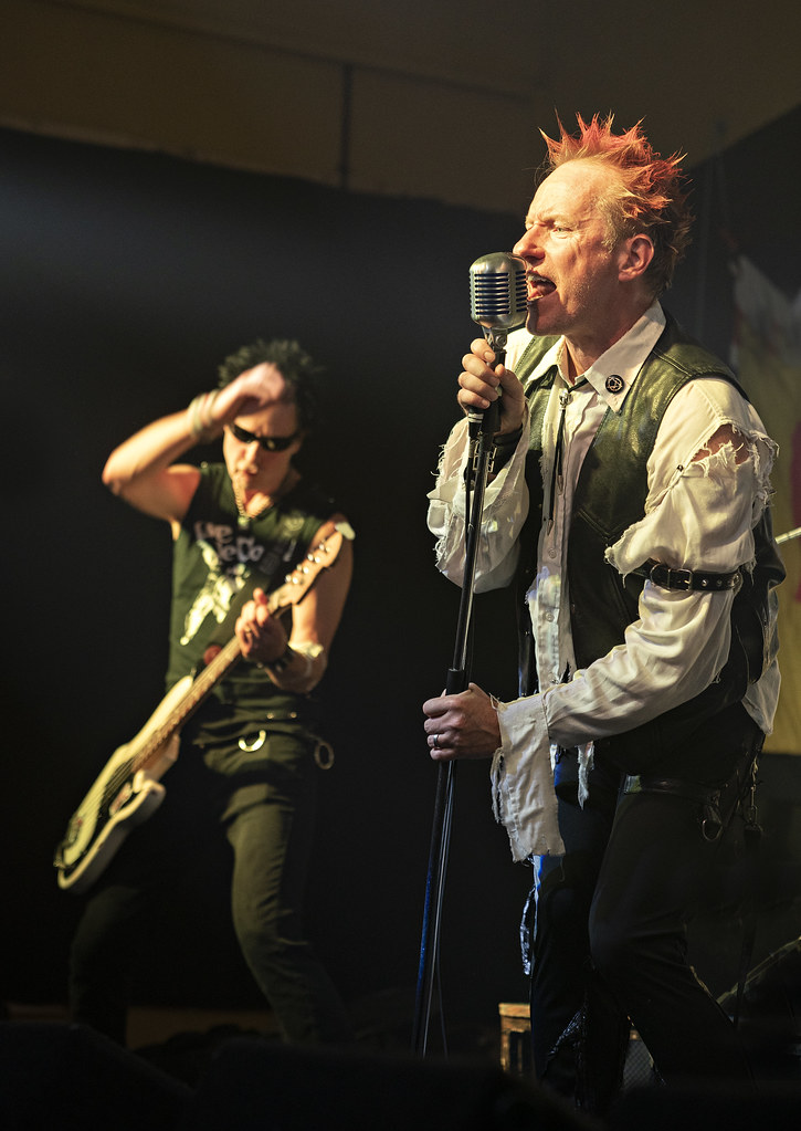 Johnny with Sidney On The Bass
