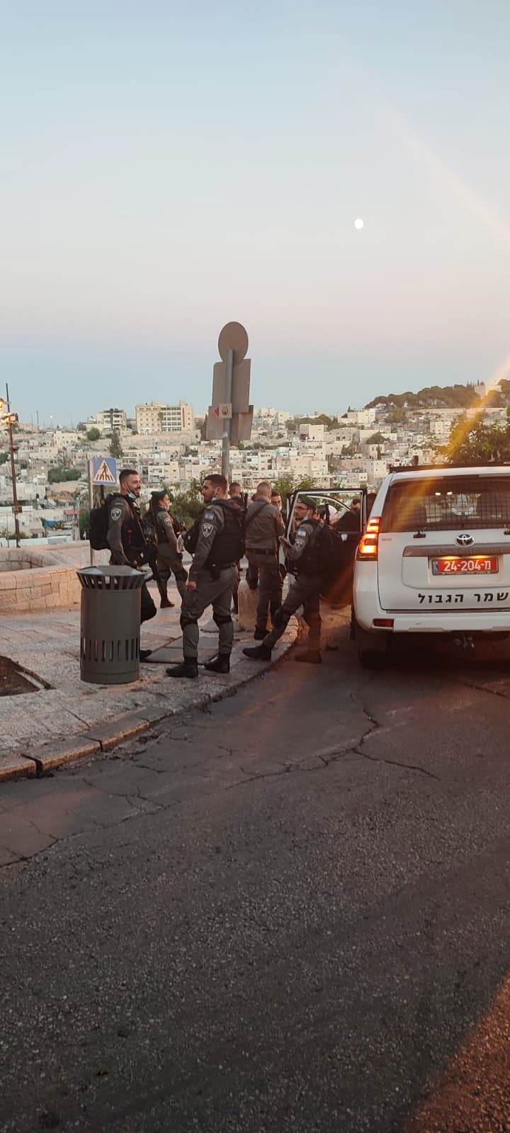 14. Полиция у Мусорных ворот
