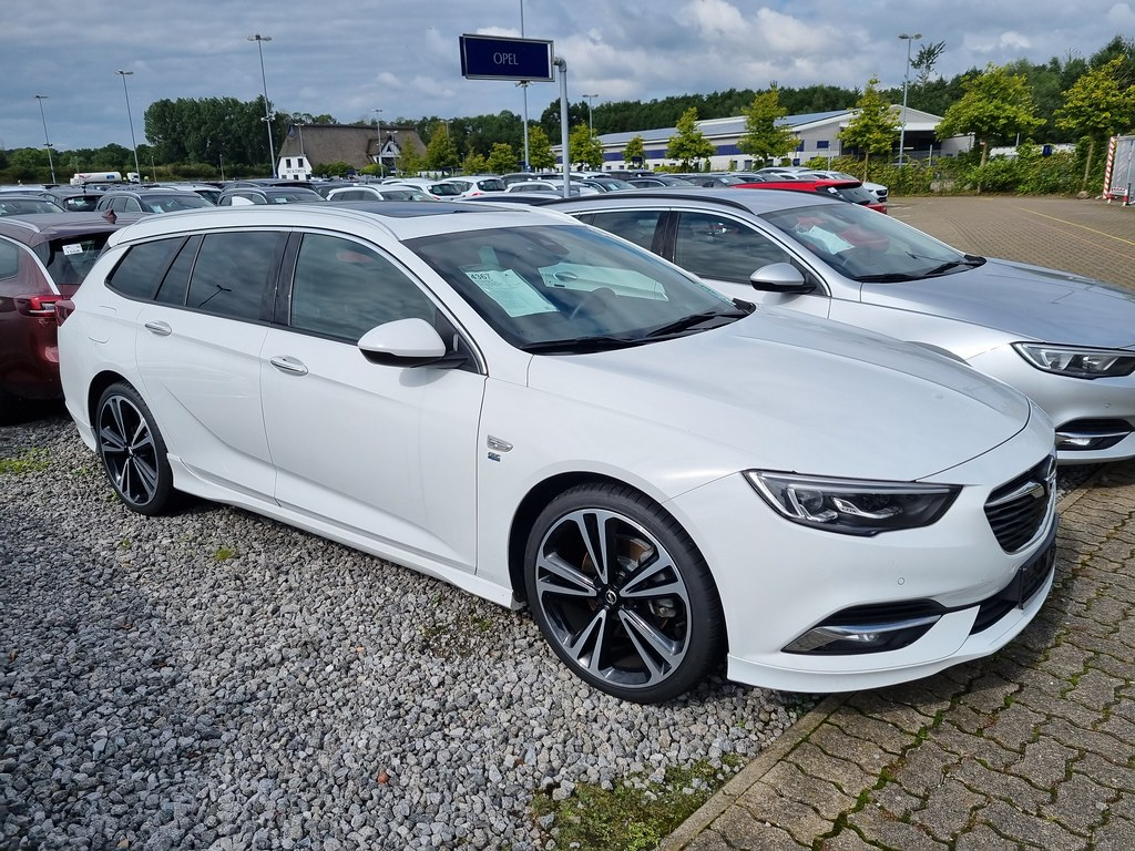 Opel Insignia ST 2.0 CDTi OPC Line