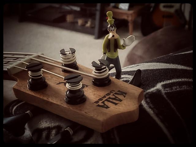 KALA U-Bass, Goofy. 1 (s10)