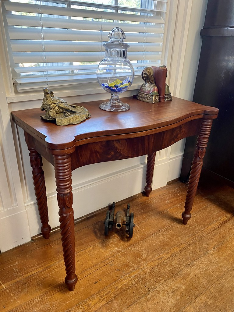 Antique Federal Sheraton side table