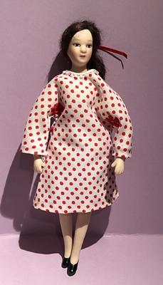 Pilkullinen mekko