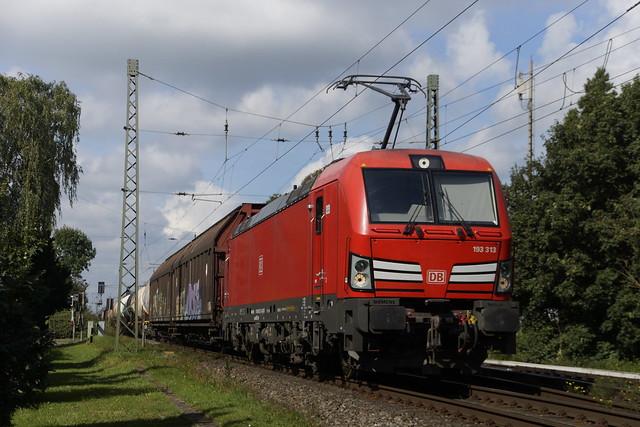 DB Cargo 193 313 met korte UnitCargo richting Oberhausen door Empel -Rees 19-09-2021