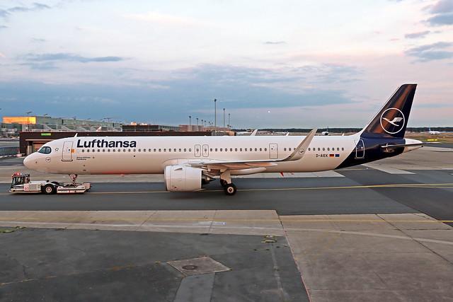 Lufthansa Airbus A321-271NX D-AIEK