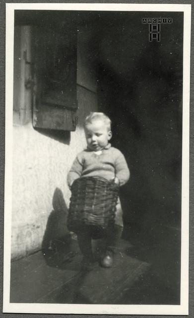 ArchivTappen24Album7o75 Kind, Gerhard Lobermeyer, Augsburg, 1930er