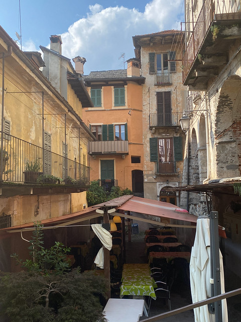 more lovely scenes from Orta San Giulio