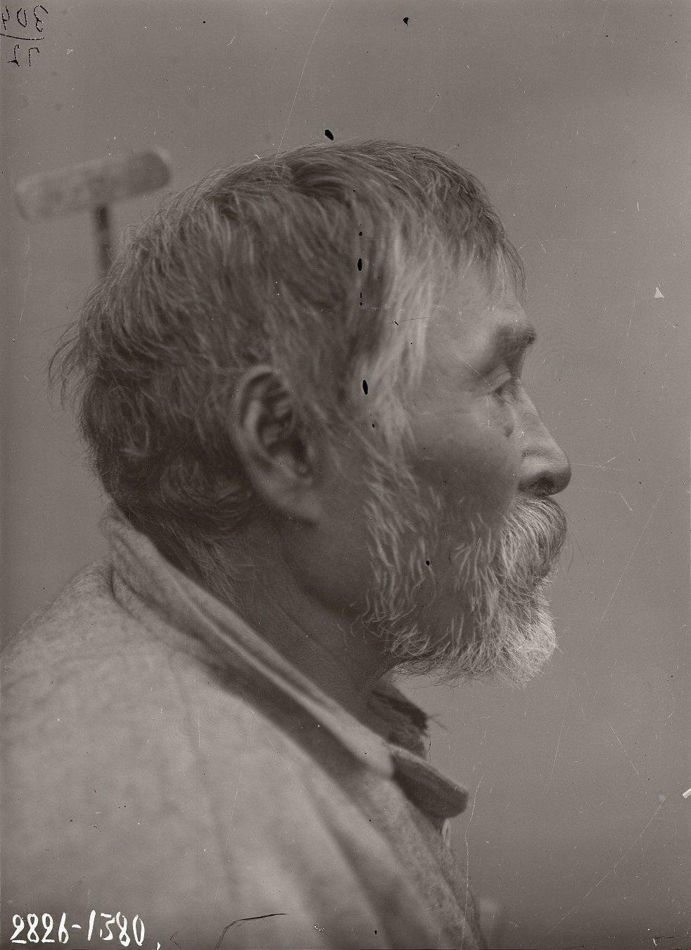 1909. Июнь - июль. Дионисий Худяков (профиль). Атту остров