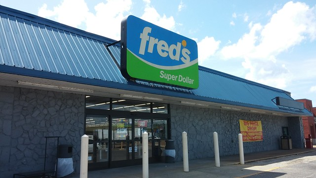 Fred's Closing (Final Day), Senatobia, MS