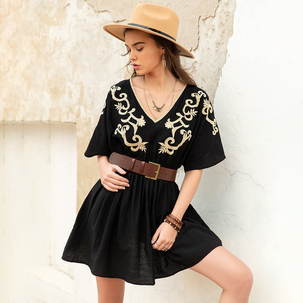 Attractive embroidery detail a line dress without belt