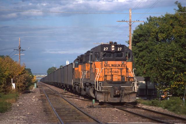 Milw 27 on CNW - 9/6/1986