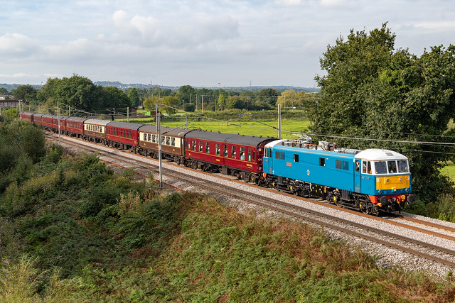 The Last Throws of Summer? - E3137/86259 'Les Ross/Peter Pan' at Moore, Cheshire