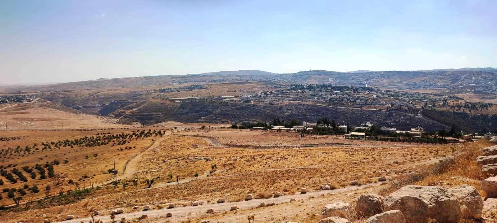 18. Вид с вершины на Иерусалим и окрестности