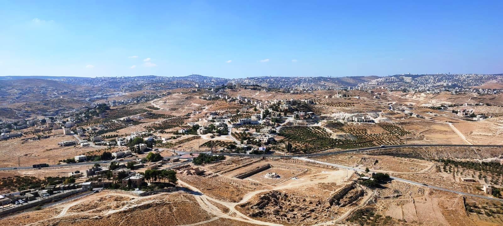 16. Вид с вершины на Иерусалим и окрестности