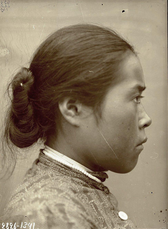1909. Июнь - июль. Евдокия Артамоноваев (профиль). Атту остров