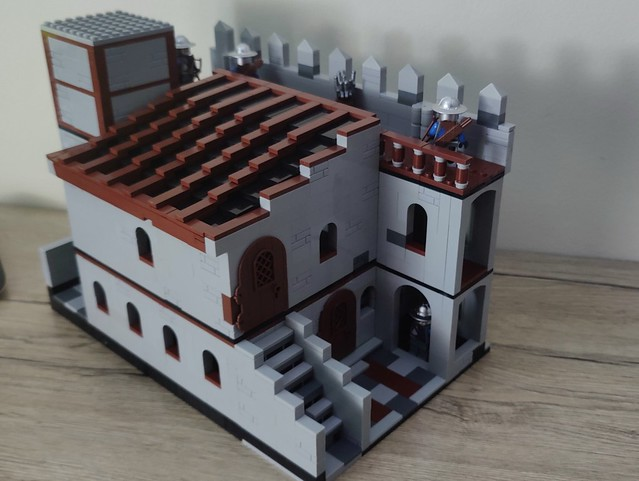 castle 🏰 part 1 -castle wall, stabels, and armory.