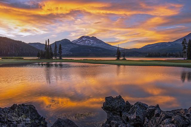 Sparks Lake Golden Sunset