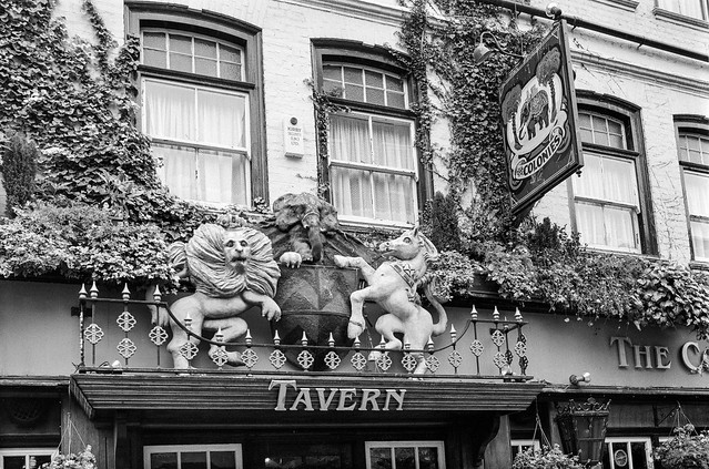 The Colonies, pub, Wilfred St, St James, Westminster, 1991, 91-5g-22