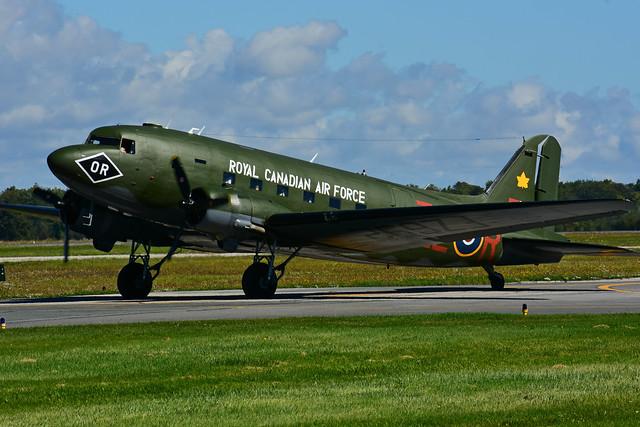C-GRSB - FZ692 (RCAF - CWHM)