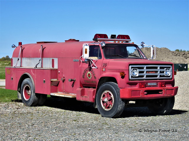 1983 GMC C7000/King Tanker (250/1500) Unit 8 Iroquois Falls Fire Department (Retired)